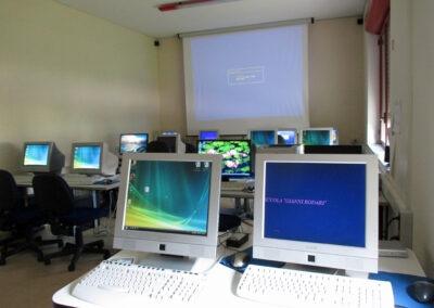 Primaria Rodari aula multimediale